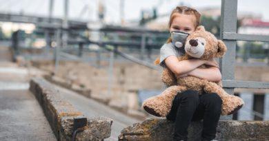 هر روز۹۰ درصد کودکان در آلودگی هوا نفس میکشند