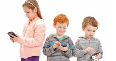 آیا موبایل و وای فای برای کودکان مضر است؟