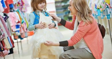 لجبازی کودکان هنگام لباس پوشیدن