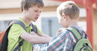 چرا نباید وارد دعوا کودکان با یکدیگر شد؟
