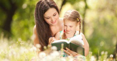 رابطه دوستانه بین مادر و دختر