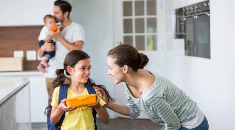 سازگار کردن کودکان با مدرسه-برقراری ارتباط والدین با فرزندان
