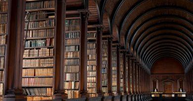 کتابخانه بابل و ۲۳ داستان دیگر